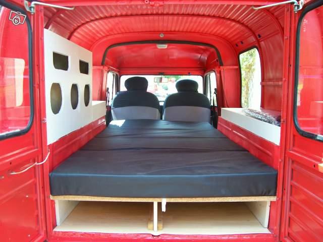 Vari tipi di camperizzazione for Scaffali per furgoni fai da te