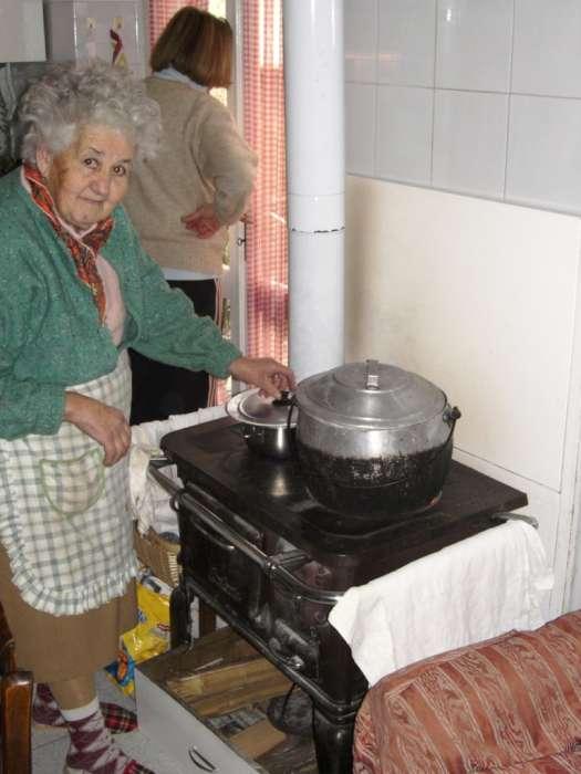 Cucine economiche a legna usate cucine a scomparsa economiche mobili salvaspazio cucina per - Cucina a scomparsa economica ...
