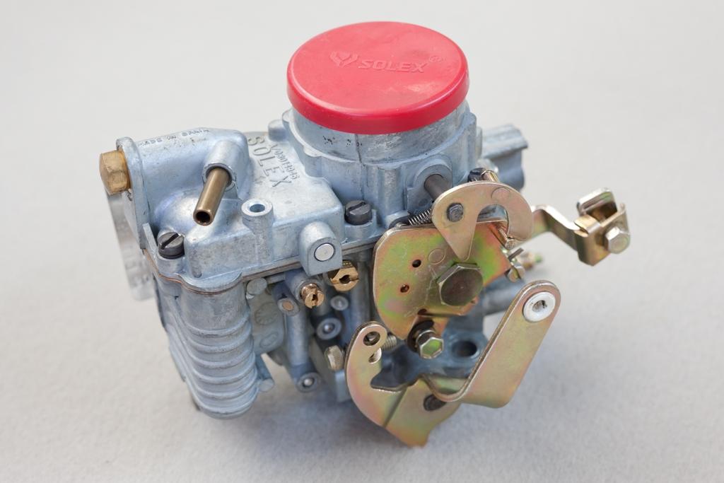 Carburatore monocorpo 34 PICS come quelli montati su tutte le 2cv4 e le Dyane 4, le Mehari fino al '77, le Dyane 6 fino al '72, le 2cv6 fino all'80
